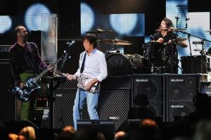 """""""Nirvana"""" снова воссоединились с помощью Пола Маккартни"""